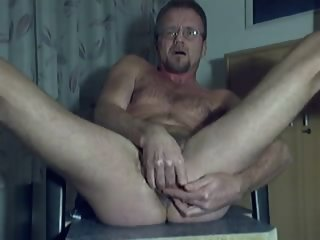 HARRI LEHTINEN LOVES TO SELFFUCK AND SELFSUCK HIMSELF AND EAT HIS SWEET CUM!