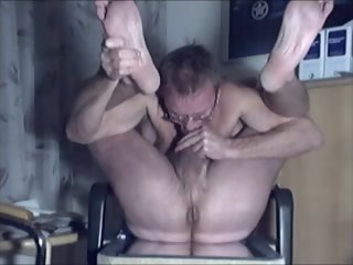 HARRI LEHTINEN WANKS AND SUCKS HIS COCK AND RIDES HIS KONG TO CUMEATING ECSTASY!