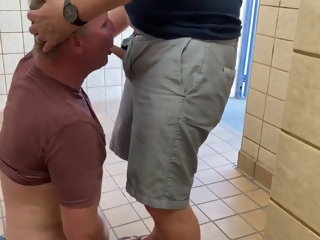 Daddies in public toilet - spy cam