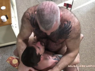 MuscleBearPorn - Sean's Last Film