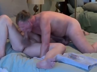 Mature Friend Come To Enjoy My Holes
