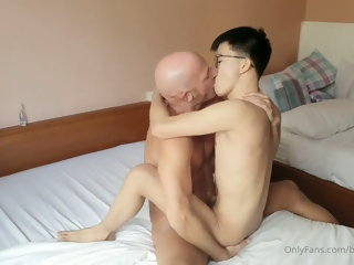 Big cock Daddy bareback Asian twink